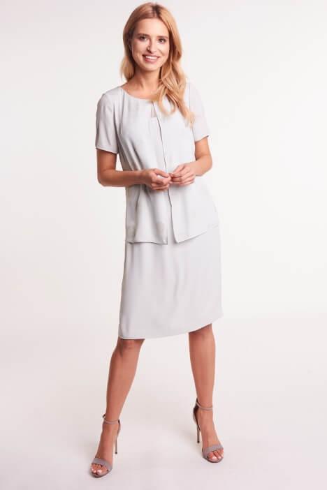 Sukienki maskujące brzuch – jaki krój wybrać?