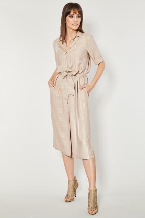 Szmizjerka – modna sukienka na lato
