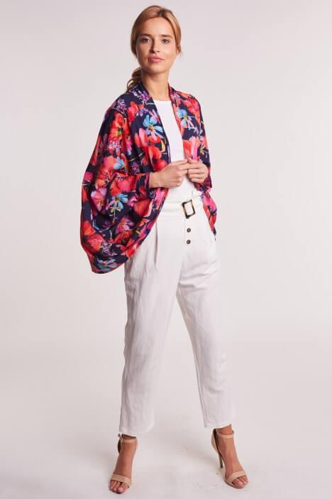 Spodnie lniane damskie – idealny wybór na lato