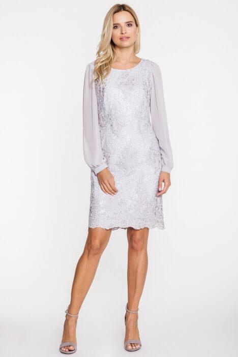 Sukienka koronkowa – elegancka kreacja na wesele