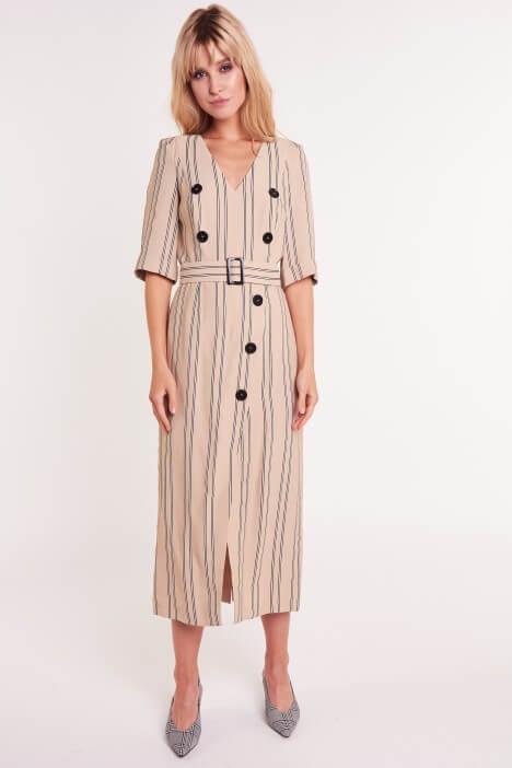 Sukienki midi – symbol mody z lat 60.