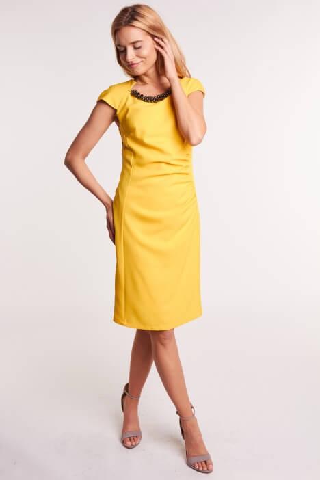 Letnie sukienki w żółtym kolorze