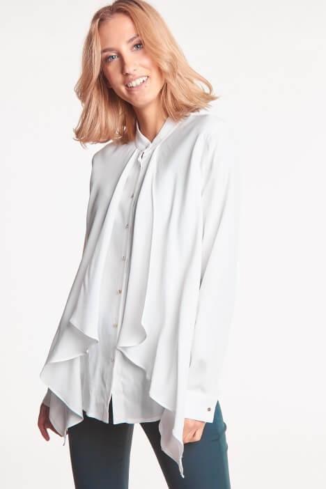 Biała bluzka na każdą okazję