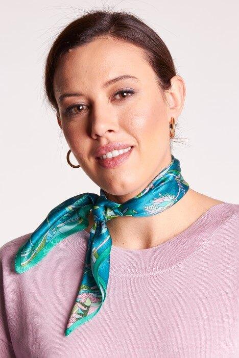 Apaszka – modny dodatek do stylizacji