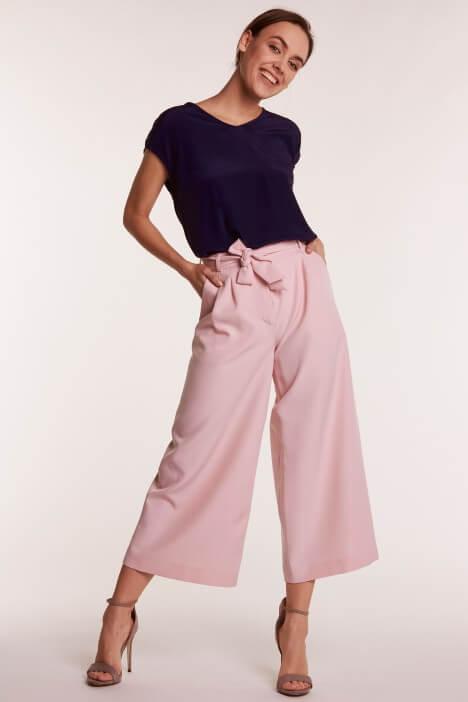 Spodnie kuloty – modne i wygodne
