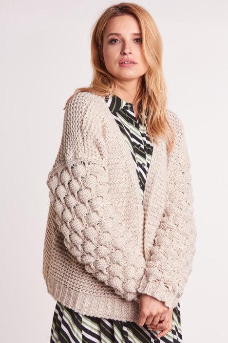 Modne i wygodne swetry oversize