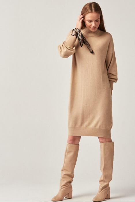 Dzianinowe sukienki na jesień i zimę