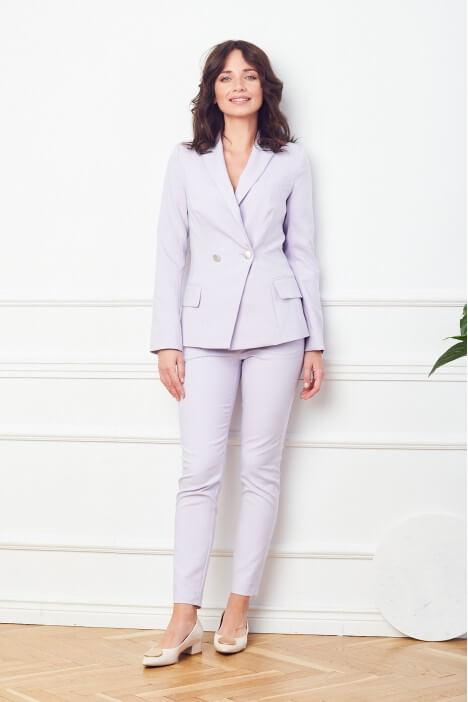 Garnitur damski – alternatywa dla sukienki wizytowej